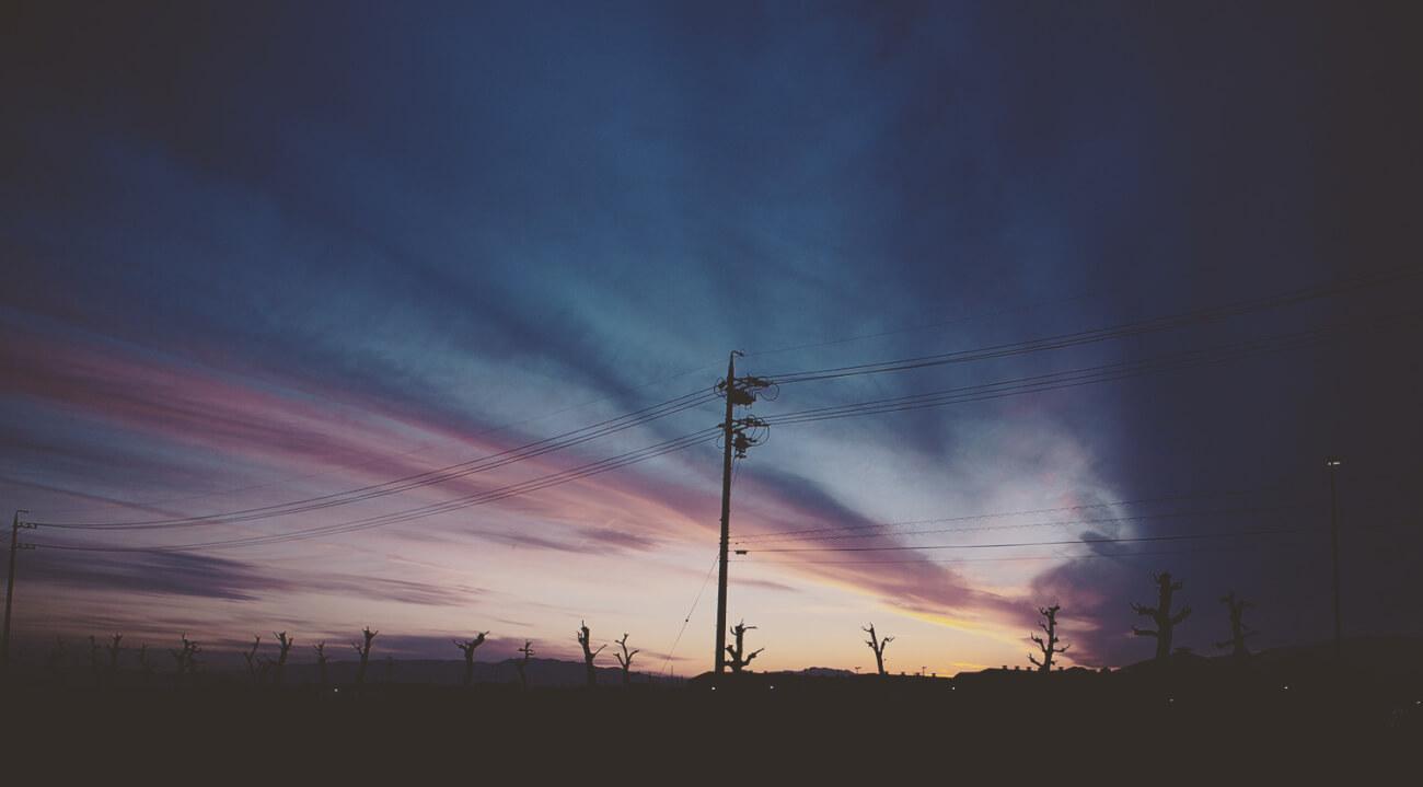 夜景と電柱(インスタ風)
